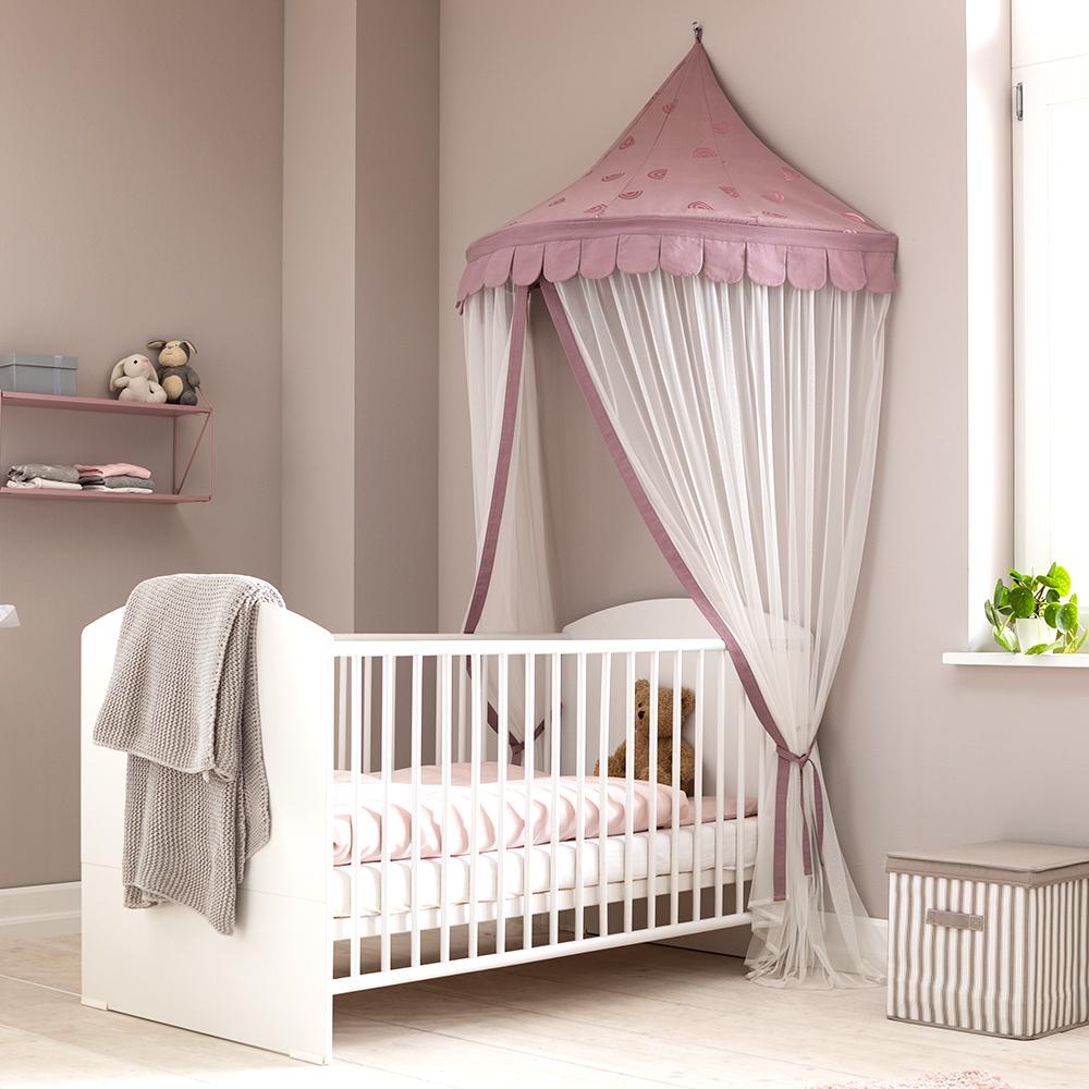 Schlaf schön! Gemütlicher Schlafplatz für Kinder unter dem  Wandbaldachin.
